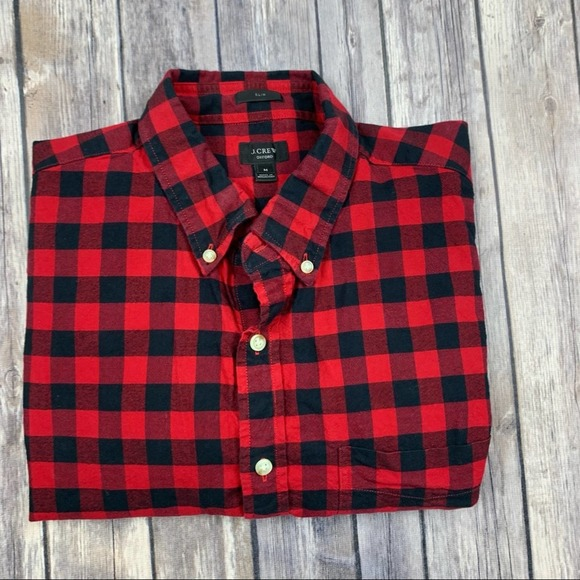 ⭕️sold⭕️J crew skim Oxford plaid shirt